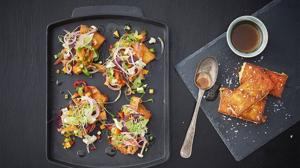 Stekt polenta crostini med grønnsaks-ceviche – Oppskrift