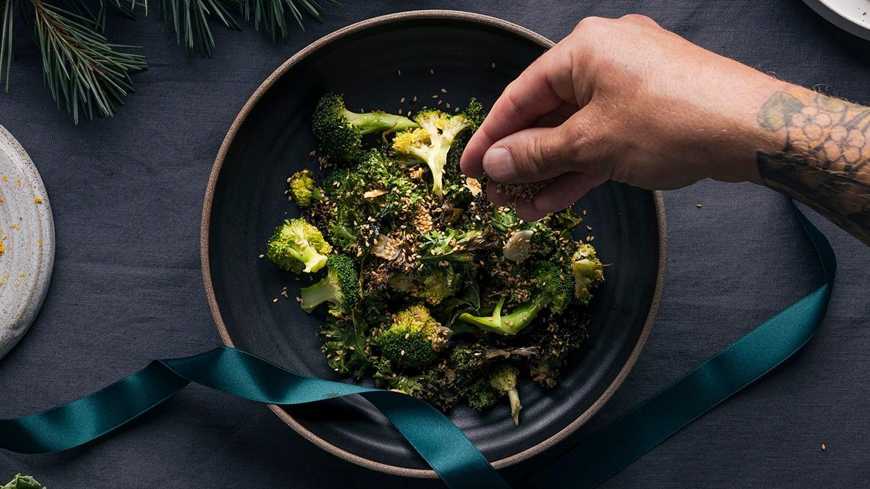 Sesamstekt grønnkål og brokkoli – Oppskrift